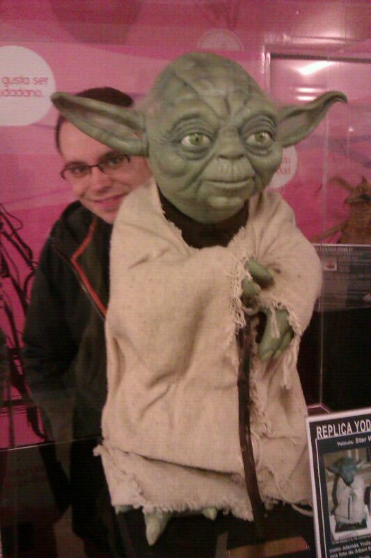 Friki-fan de Star Wars con Yoda